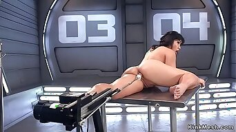 Asian shovs fucking machine up her ass